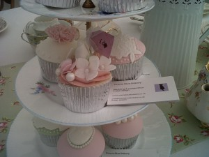 Vintage Inspired Wedding Cupcakes